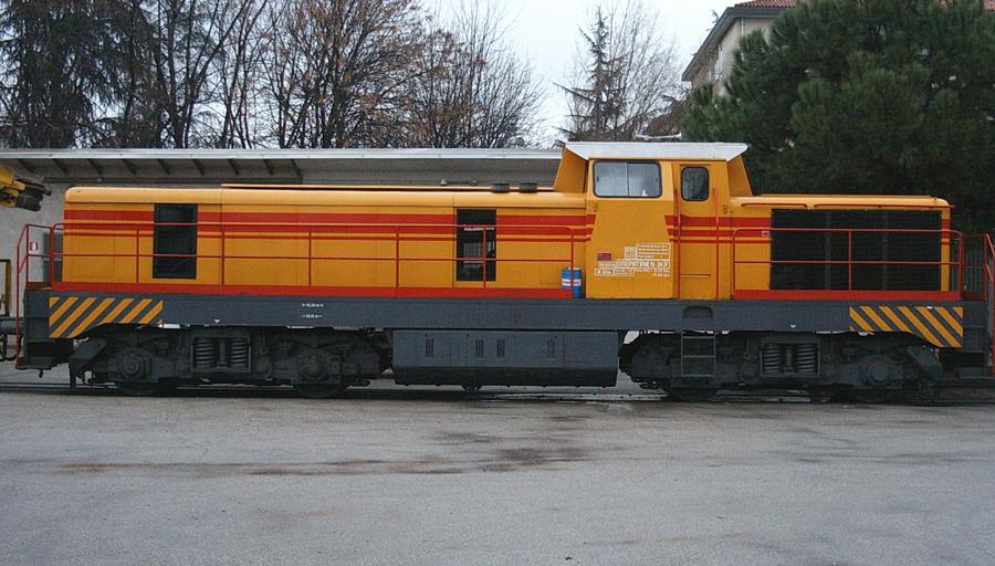 https://www.generalecostruzioniferroviarie.com/images/macchine/locomotori/locomotore7.jpg