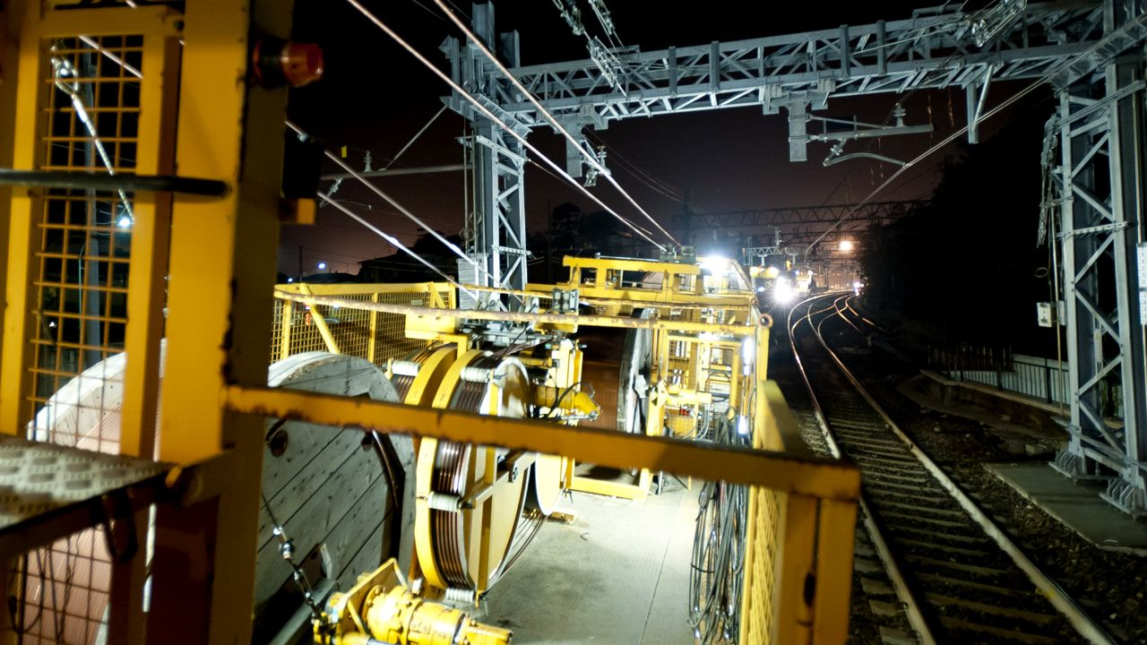 Overhead wiring trains